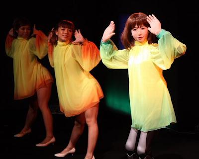 dancing robot girl 06