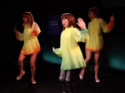 dancing robot girl 04