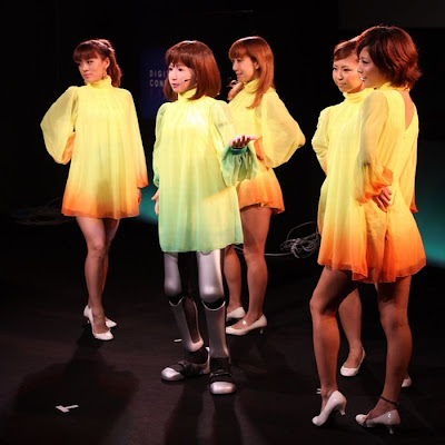 dancing robot girl 02