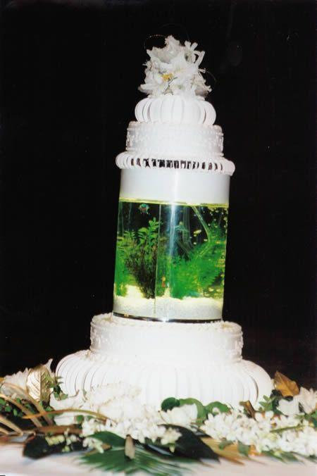 14 Weirdest Wedding Cakes ~ Damn Cool Pictures
