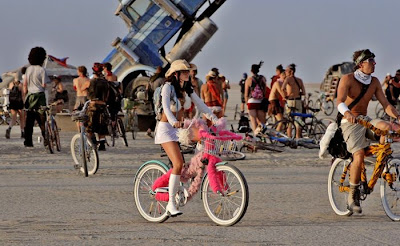 [Image: burning_man_23.jpg]