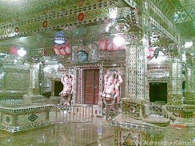 Arulmigu Sri Raja Kaliamman Temple, Johor Baru, Malásia - O único templo hindu de vidro no Exterior