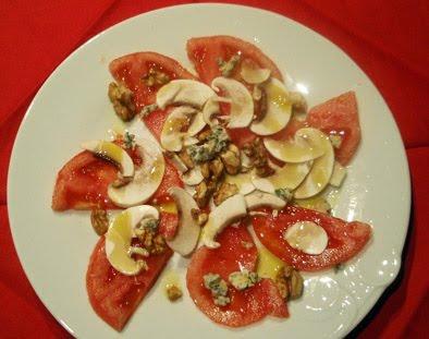 ensalada de tomate y champiñones
