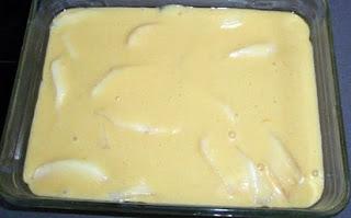 elaboración del pastel de pera y canela