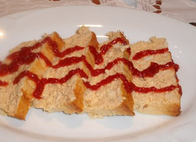 pastel de cabrarroca con mermelada de pimientos
