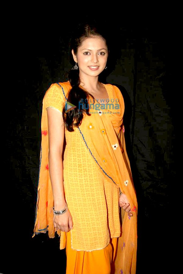 Indian And Paki Wallpapers: Geet Seral Star One Gallery Photos