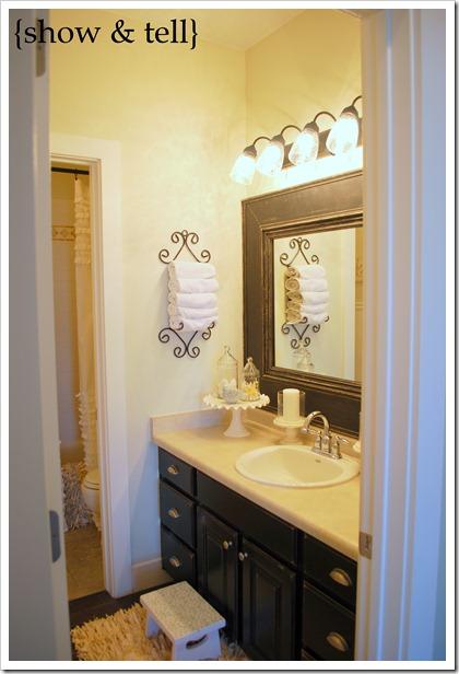 Kids Bathroom W Framed Builder Mirror