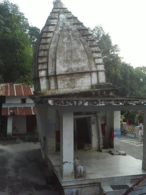 टेढ़ा मन्दिर