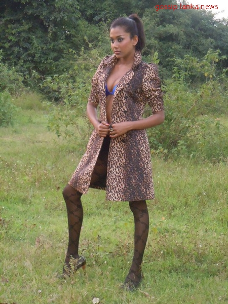 Indian girls sexy poes pictures