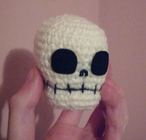 Halloween Skull Amigurumi Crochet Pattern Skull Applique | Etsy | 489x509
