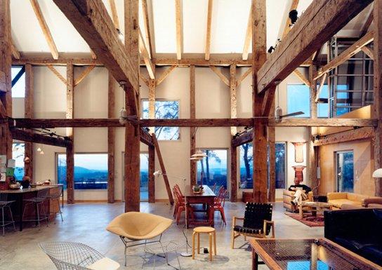 Interior de la casa granero en NY, Estados Unidos
