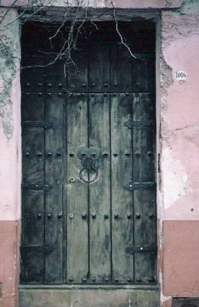Arquitectura de casas puertas antiguas de buenos aires for Restauracion de puertas antiguas