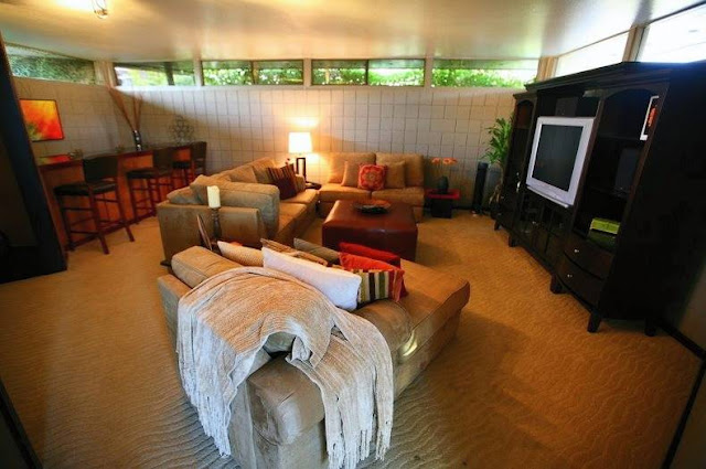 Sala de estar de casa residencial Mid Century en Arizona
