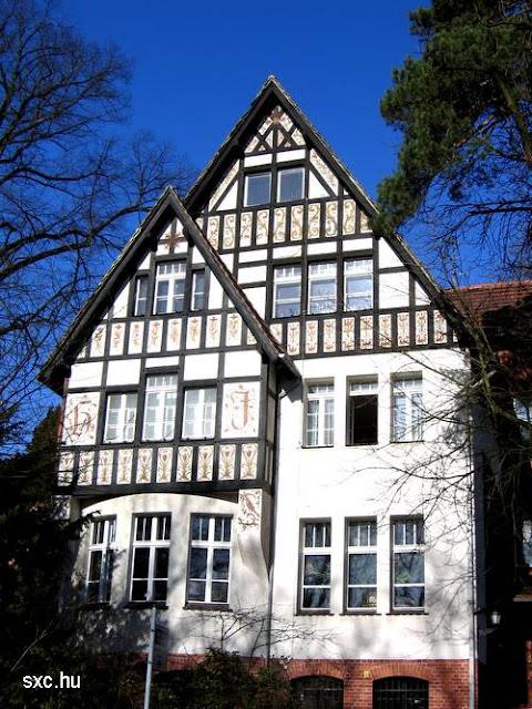 Fachada de una casa tradicional europea