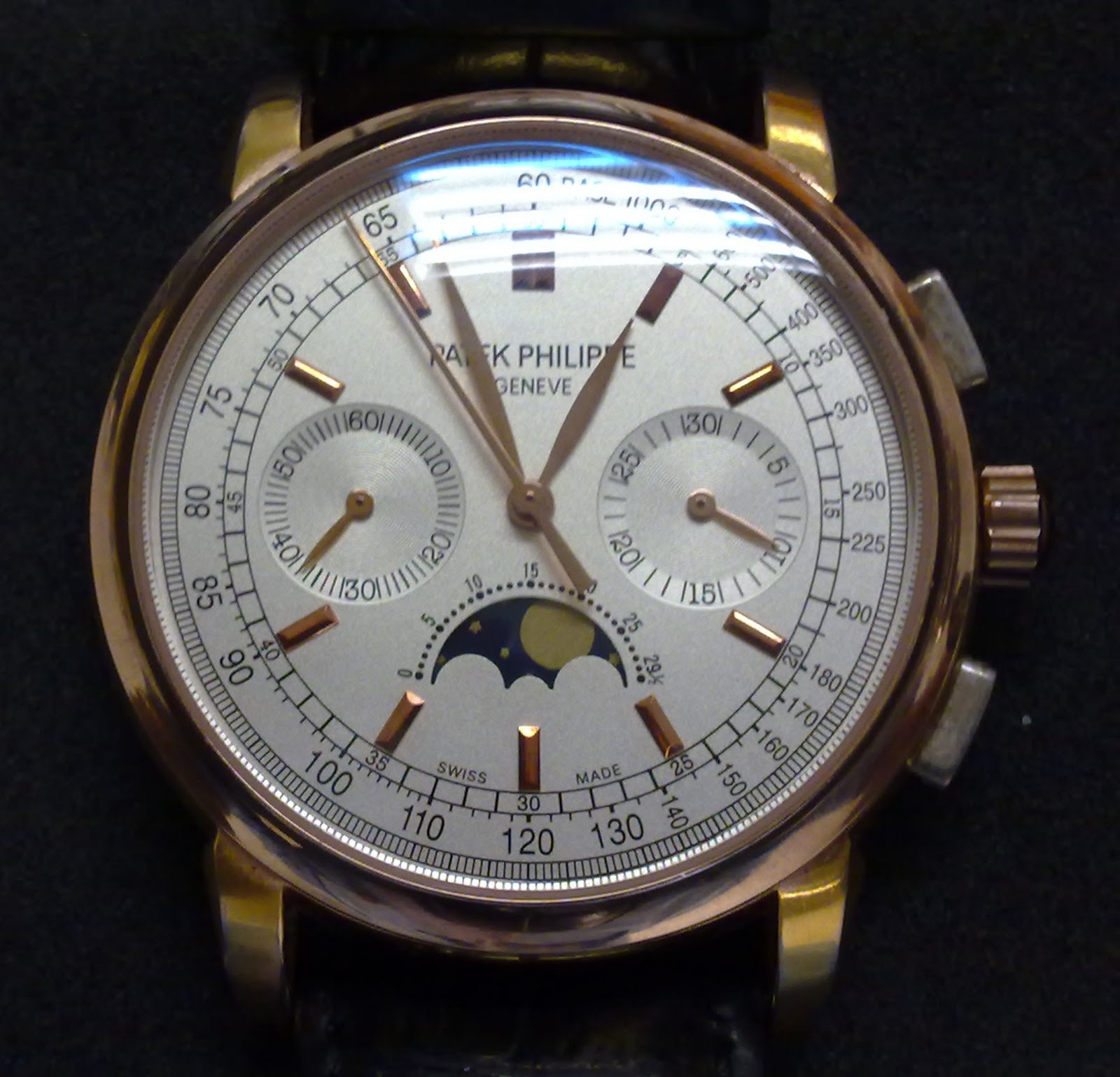 Hong kong watch fever vintage patek philippe 38mm chronograph with moonphase for Patek philippe moonphase