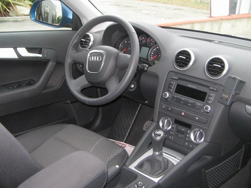 avenir import auto v hicules vendus audi a3 sportback 1 9 tdi 105 ch ambiente. Black Bedroom Furniture Sets. Home Design Ideas