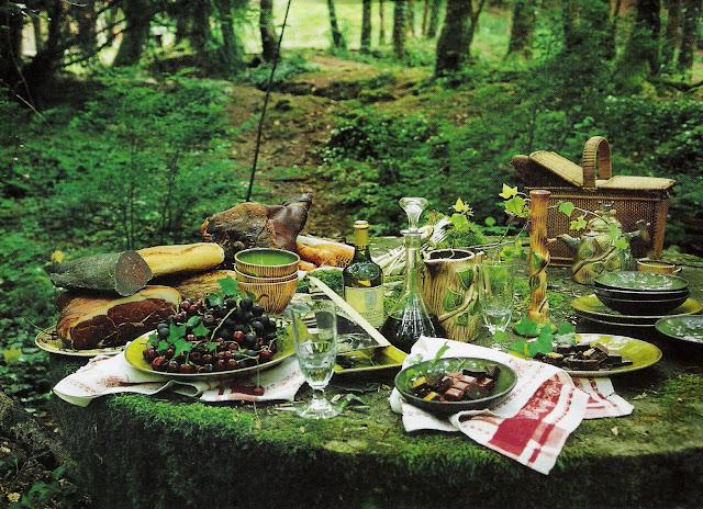 Forest picnic, Côté Est Sept-Nov 2002 as seen on linenandlavender.net