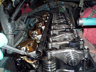 school bus mechanic the best diesel engine dt 466 international here i m setting valves which is 025 for both the exhaust and intake one of the differences the electronic engine and the older non electronic models