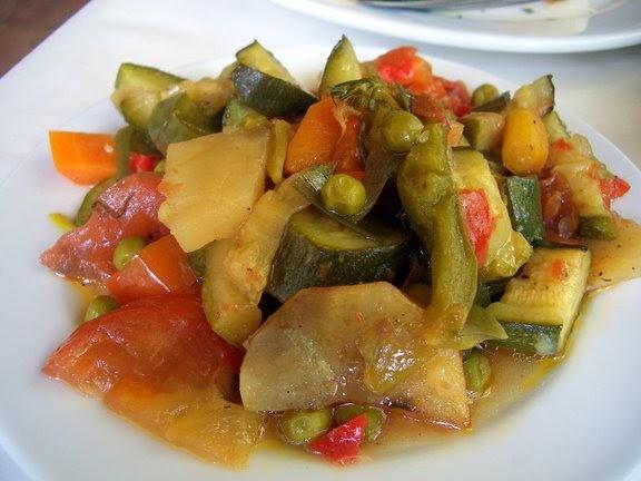 CUCINARE LONTANO 146  Briami o Trl ovvero verdure al forno