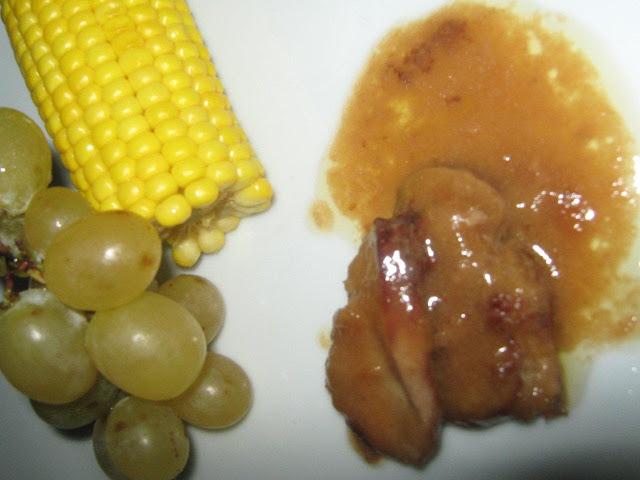 szűzérmék  mustmártásban, főtt kukoricával