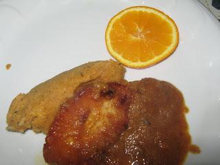 Karaj szeletek  mézeskalácsos narancslével és  csipkebogyós pollentával