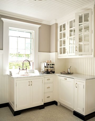 Are Kitchen Tiled Backsplashes Going Out Of Style