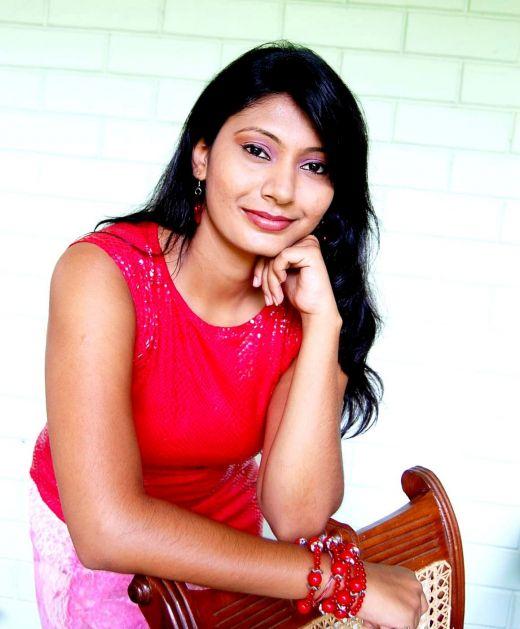 Sexy Sri Lankan Actress And Models: Yamuna Erandathi
