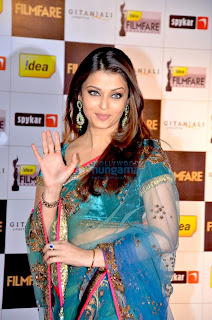 Aishwarya Rai Bye Bye Post In Blue Saree