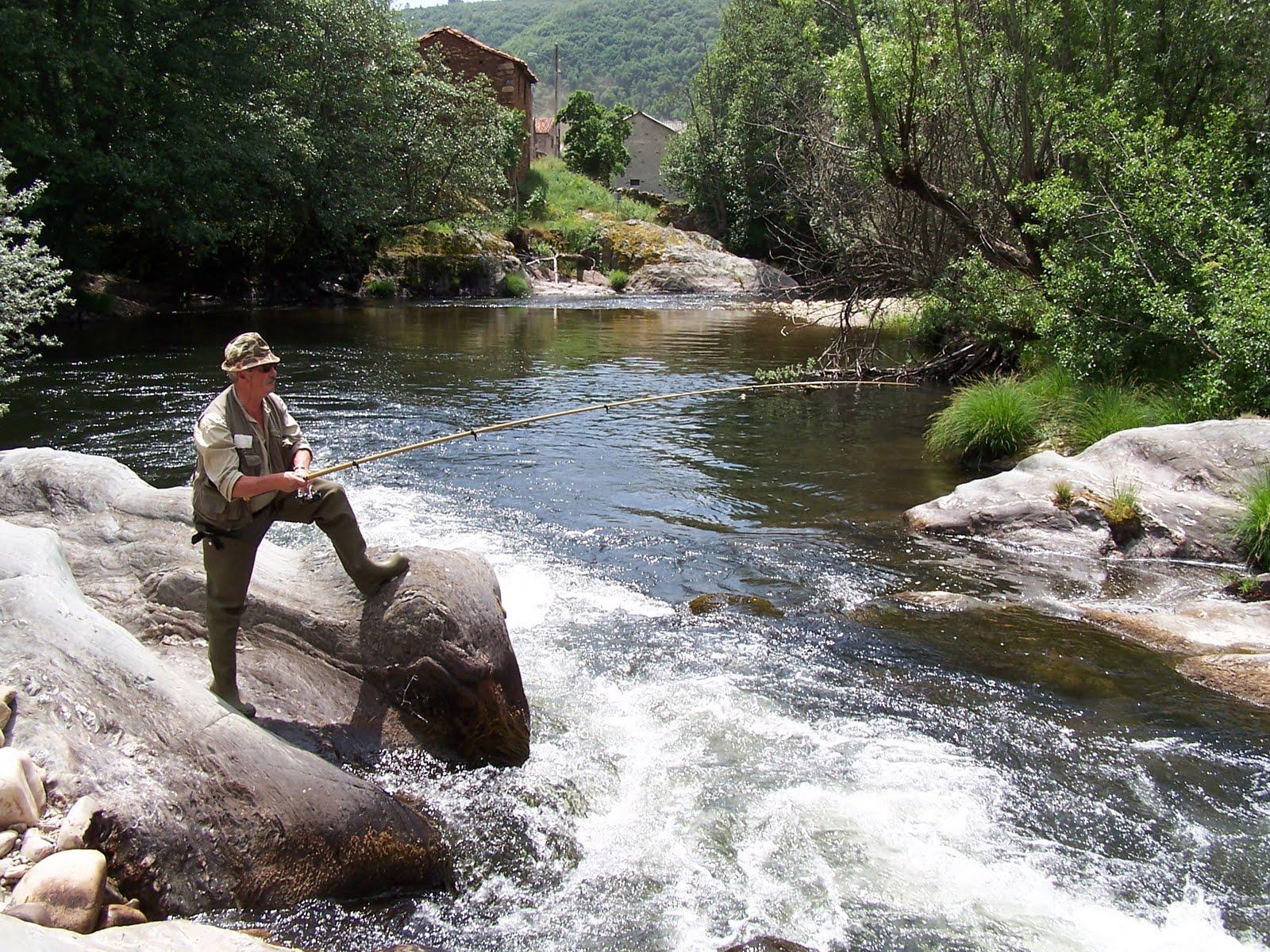 Normativa de pesca fluvial en Galicia 2011