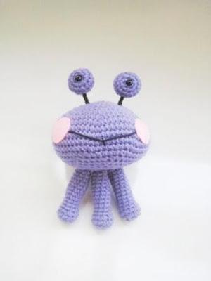 Amigurumi Alien Pattern by curlsofsunshine