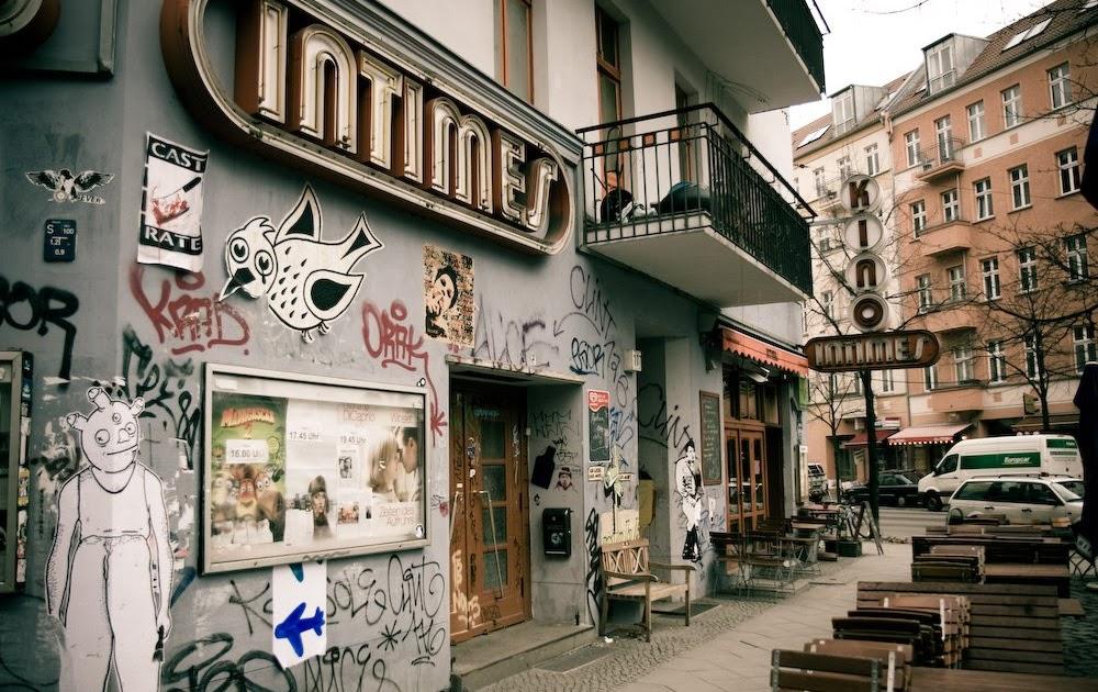 smells like berlin berlin friedrichshain. Black Bedroom Furniture Sets. Home Design Ideas