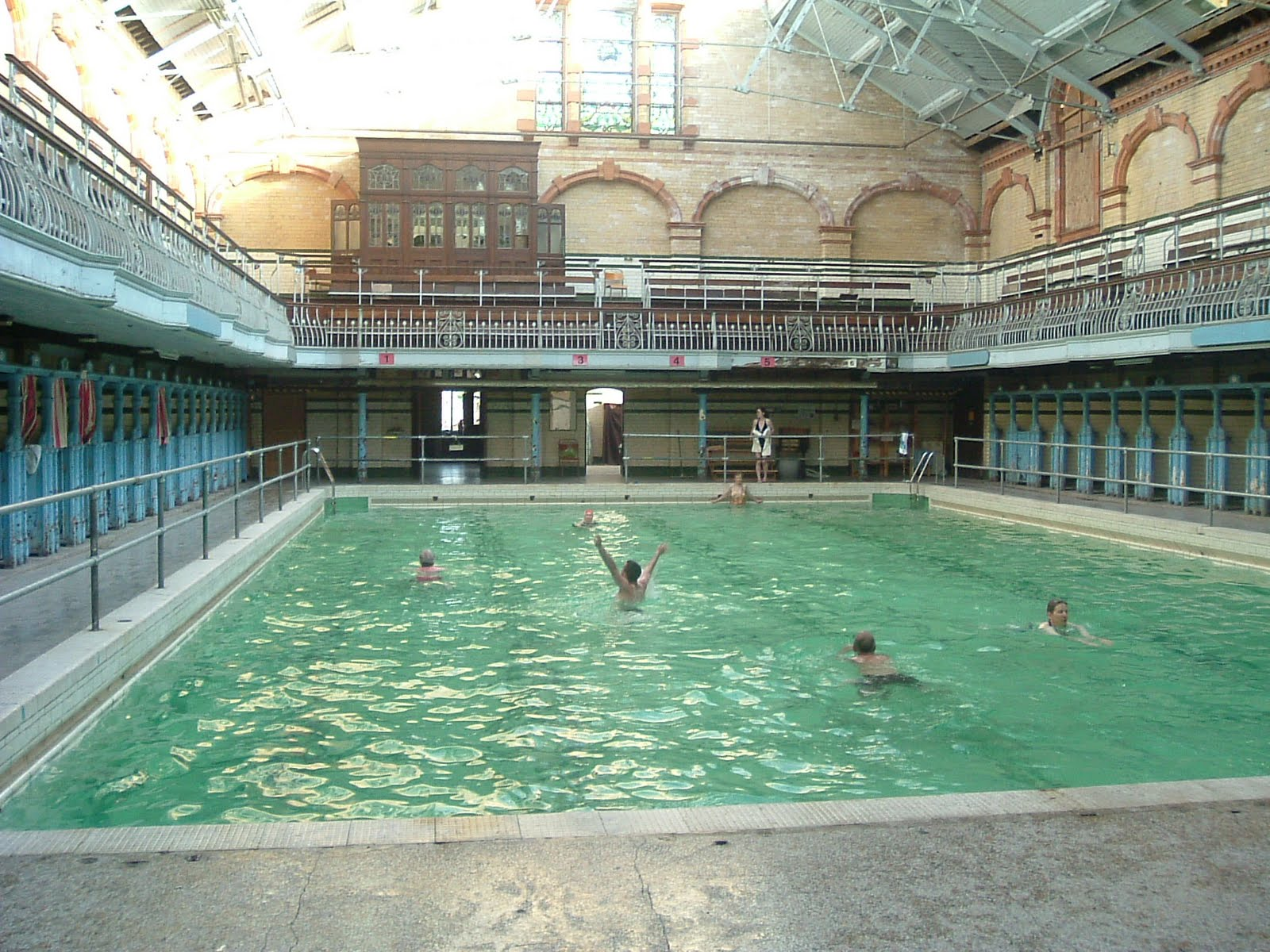 Now then manchester a walk around victoria baths - Swimming pool manchester city centre ...