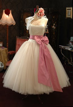 Beautiful Little Weddings I Love 50 S Dresses