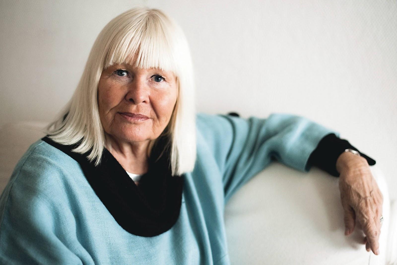 Jag läser i DN att Marta Cullberg Weston har skrivit en ny bok om  avundsjuka som heter Avund och konkurrens. 8537fa92c0439