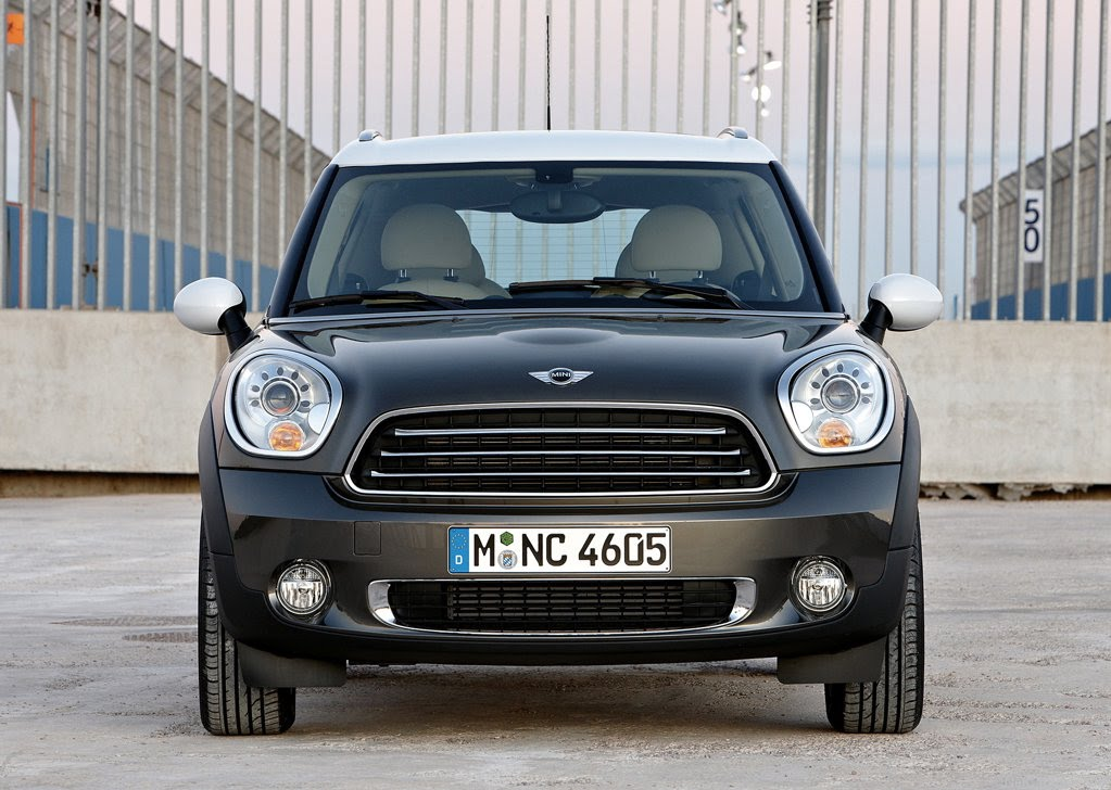 just how big is the 2011 mini countryman gcbc. Black Bedroom Furniture Sets. Home Design Ideas