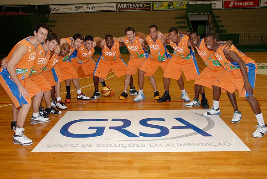 5f7316fe0 A Unimed acertou patrocínio com o time de basquete de Bauru. Com isso,  estampará o calção do Bauru Basket na próxima temporada, incluindo o  Campeonato ...