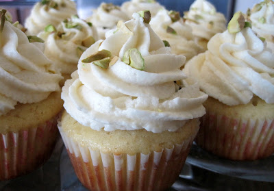 A group of Cannoli Cupcakes