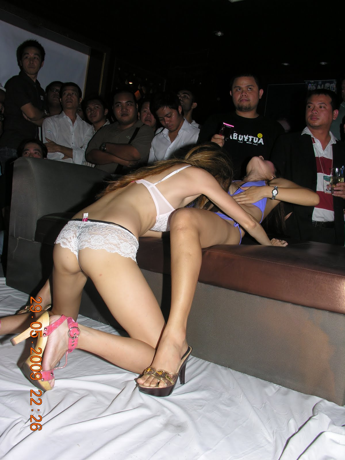 Taiwan girl show 22 - 2 part 2