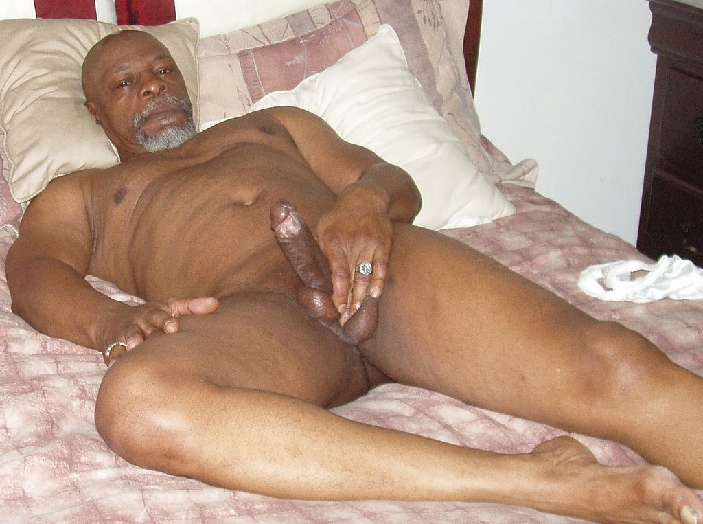 Mature Black Daddies - Page 7-9025