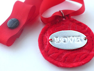 diy felt valentine pet collar