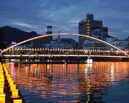 الجسور الجميلة من جميع انحاء العالم 48834-450x-a_22.jpg