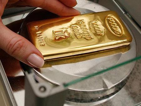 تعرف بالصور على صناعه سبائك الذهب 55054-450x-a_10.jpg