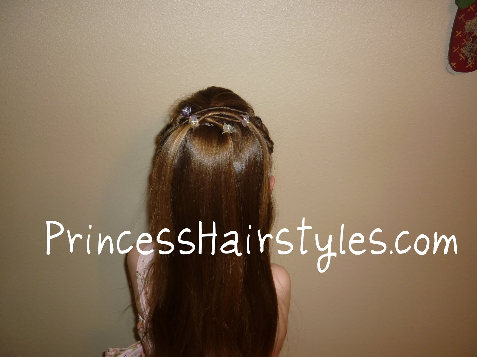 Stupendous Tween Twists Princess Hairstyle Hairstyles For Girls Princess Short Hairstyles Gunalazisus