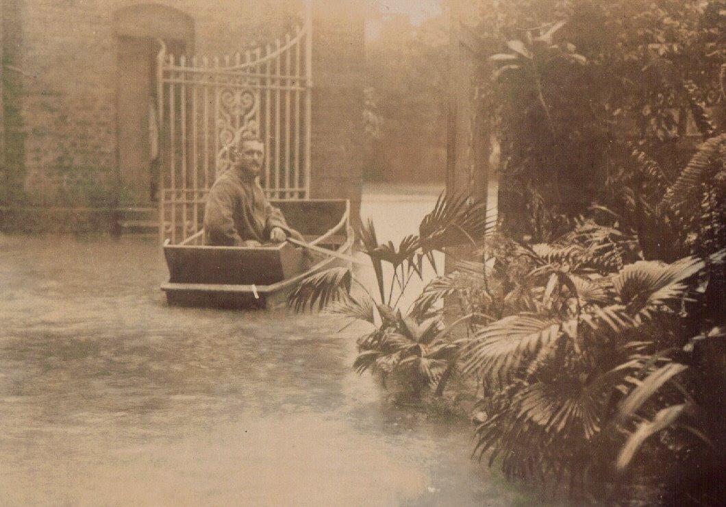 Monsoon, Calcutta c.1903