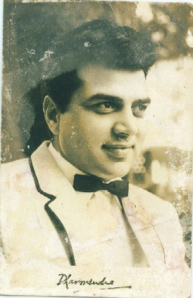 Signed Photographs of Indian Hindi Movie Actor Dharmendra