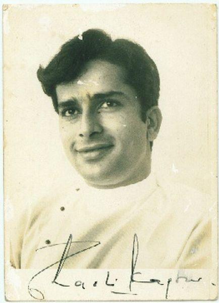Indian Movie Actor Sashi Kapoor Signed Photographs