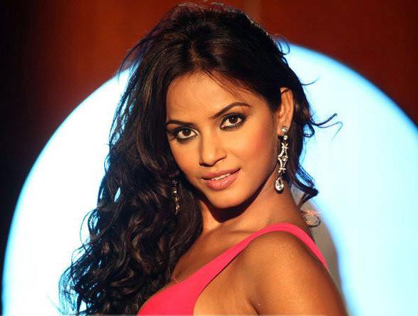 CINE HOT: Neethu Chandra Hot நீத்து சந்திராவின் கலக்கலான