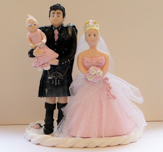 Her Wedding Figurines Can Be Created To Look Just Like The Real Life Brides And Grooms Right Down Outfits This Is Achieved By Working Form