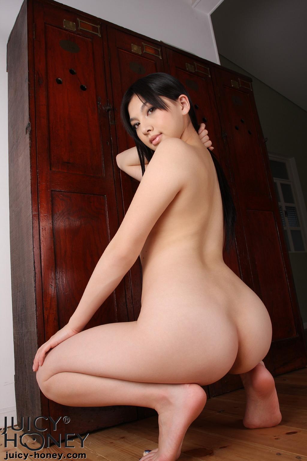 saori naked