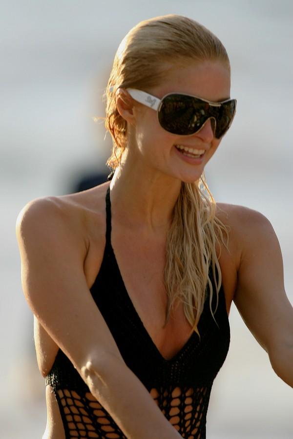 Paris Hilton Bathing In Black Bikini Beach - Papparazi Pics-4329